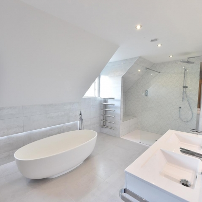 Large Baths and Luxury Showers for your Bathroom Design