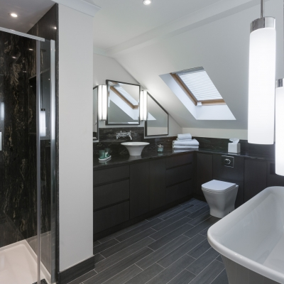 5 Simple Yet Effective Space-Saving Bathroom Ideas